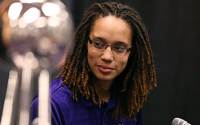 WNBA player Brittney Griner is dating her lesbian pertner Relle. She was previously dating her beau Glory Johnson. Explore more of Brittney Griner's age, wiki-bio, dating, lesbian, married, divorce, net worth, career, and more in this wiki-bio.