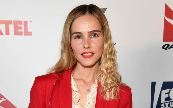 Isabel Lucas, who has a net worth of $5 million, is currently single but before she has dated top-tier personalities like Chris Hemsworth and Angus Stone. Know more about Isabel Lucas' age, ethncity, body measurements, career, net worth, dating, married, movies, and much more in this wiki-bio.