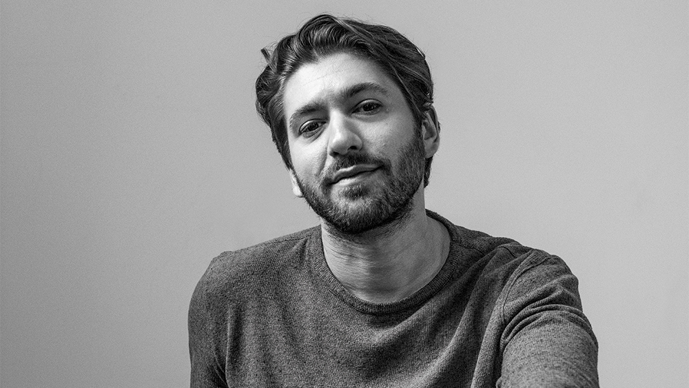 Michael Zegen is married to Rachel Broshnahan in the TV series, The Marvelous Mrs. Maisel but in real life, he is still single.