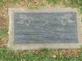 Aaren Simpson died