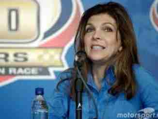 Teresa Earnhardt married boyfriend turned husband Dale Earnhardt who died on a car accident