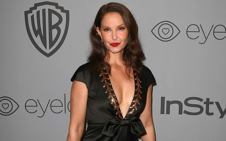 Ashley Judd is not in any kind of dating relationship with anyone after her divorce with husband