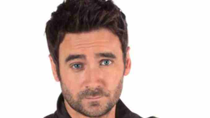 Allan Hawco is married to her love Carolyn Stokes