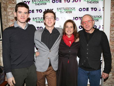 Arliss Howard with his family