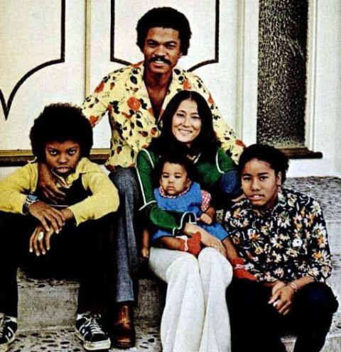 Billy Dee William with his wife Teruko Nakagami and children.