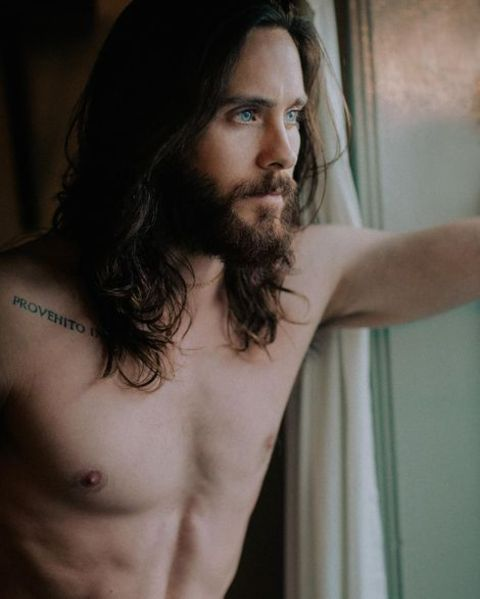 Jared Leto posing for his promotional post on Latin American Tour.