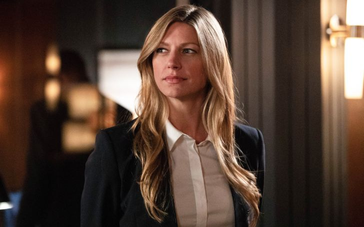 Jes Macallan is currently dating Nic Bishop following her divorce Jason Gray-Stanford in 2017.