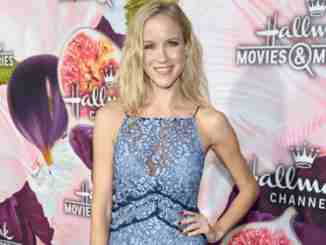 Explore Jessy Schram wiki-bio, net worth, boyfriend, dating, and height