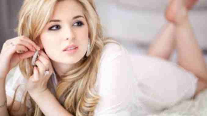 Kirsten Prout is in a married relationship with her husband Matt Zien