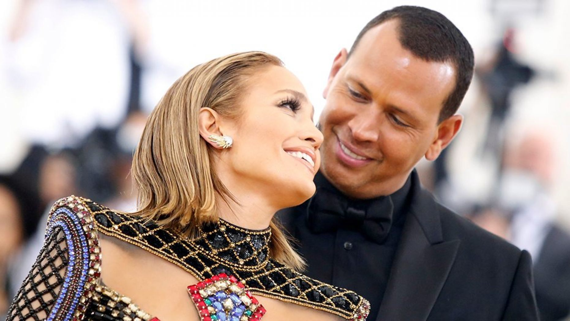 Jennifer Lopez Gets Engaged to Alex Rodriguez! Know Their Dating History