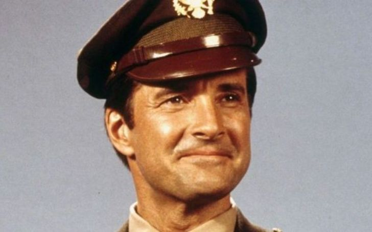 Lyle Waggoner Net Worth, Movies, TV Shows, Earnings, Married Life, Wife, Children, Age, Height, Wiki-Bio