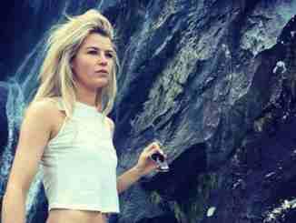 Sophie Vavasseur has been dating Jordan Patrick Smith since 2016.