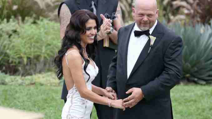 Deanna Burditt is the wife of Rick Harrison since 2013.