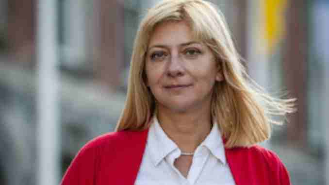 Iryna Khalip is married to her love her husband Andrei
