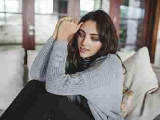 Amelia Zadro is neither married nor dating a boyfriend.