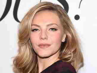 Eloise Mumford is dating an anonymous boyfriend and she has a net worth of $2 million.