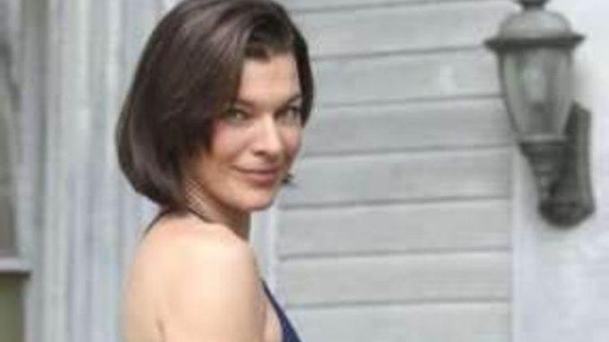 Christine Harnos Bio Wiki, facts, Net worth, Career, Husband, Married
