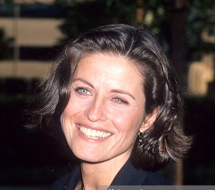 "HOLLYWOOD, CA- MAY 19: Actress Jennifer Hetrick attends the Special Screening of the ""Star Trek: The Next Generation"" Series Finale ""All Good Things"" on May 19, 1994 at Paramount Theatre, Paramount Pictures Studios in Hollywood, California. (Photo by Ron Galella, Ltd./WireImage"