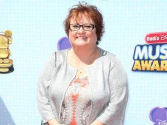 Maile Flanagan is married to Lesa Hammett
