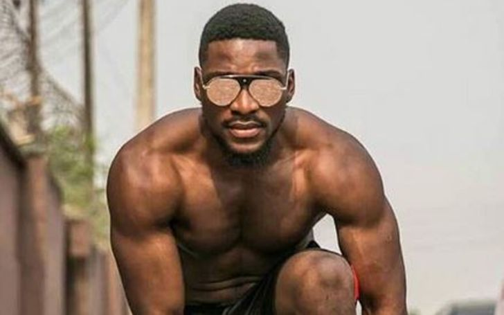 Tobi Bakare has a net worth of $300 thousand