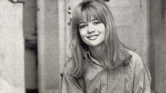 Judy Geeson has a net worth of $3 million.