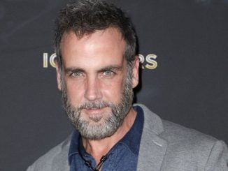 Carlos Ponce has an estimated net worth of around $8 million