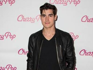 Henry Zaga Bio Wiki, age, net worth, facts, career, girlfriend, dating.