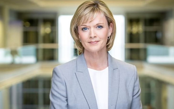 Julie Etchingham and her husband Nick Gardner married in 1997 and they have a son James Gardner.