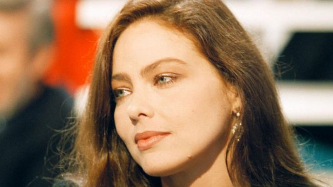 Ornella Muti married three times and divorce with all husbands and she is dating a boyfriend now.