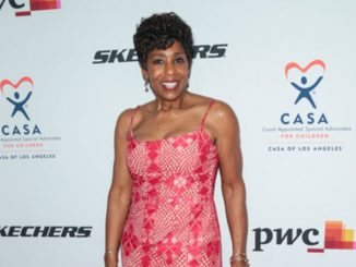 Dawnn Lewis was once a married lady