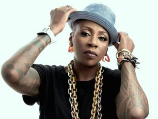 Gina Yashere holds a net worth of $1 million