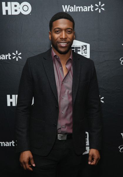 Jocko Sims does not have any past affairs and relationship