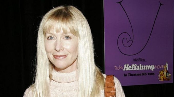 Kath Soucie does not have any past affairs and relationship