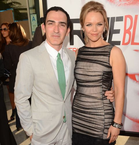 Patrick Fischler is sharing a blissful marital relationship with his wife Lauren Bowles. Unlike Fischler, his wife Lauren is a non-show biz person whom he met during his college days. Fischler dated his girlfriend turned wife Lauren for a long time before their marriage.