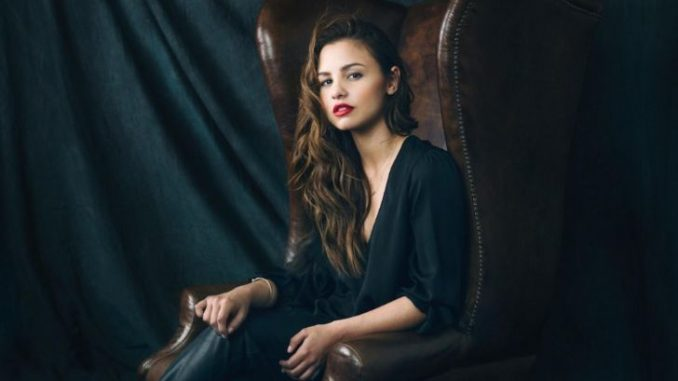 Aimee Carrero is married to her lover Tim Rock