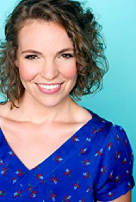 Beth Stelling studied acting.