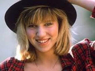 Debbie Gibson has a net worth of $5 million and owns a car.