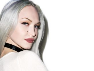 Ivy Levan enjoys the net worth of $700 thousand.