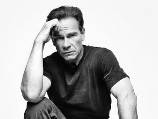 Peter Scolari has a huge net worth. But how much?