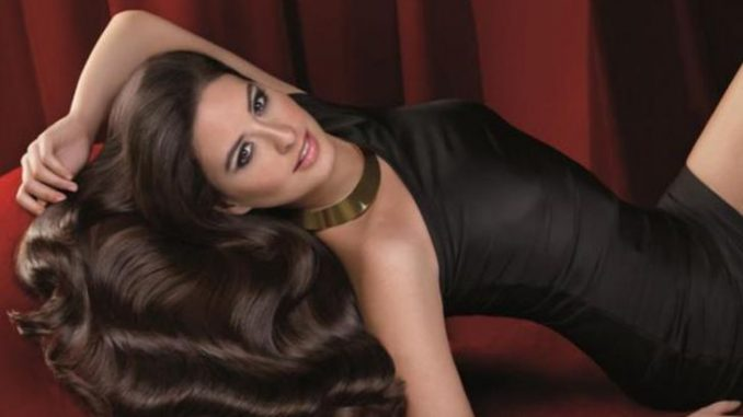 Taliana Vargas enjoys the net worth of $10 million.