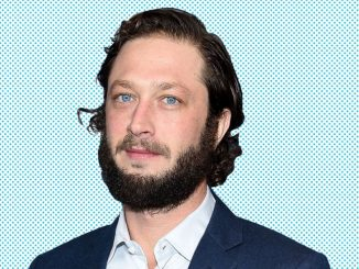 Ebon Moss-Bachrach is currently dating his longtime girlfriend Yelena Yemchuk and they even share two daughters.