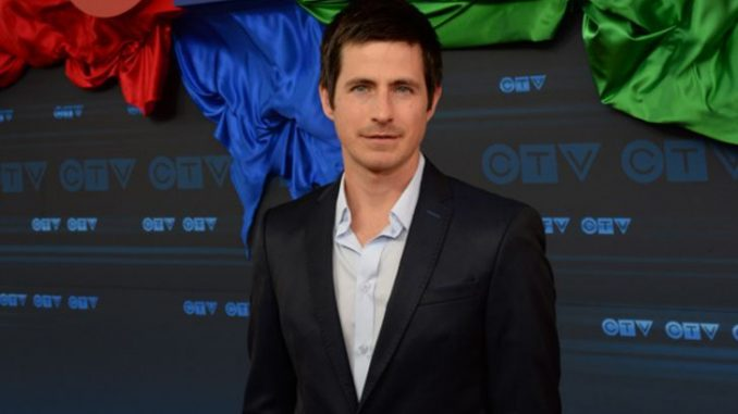 Craig Olejnik is neither a married man nor is dating anoyone
