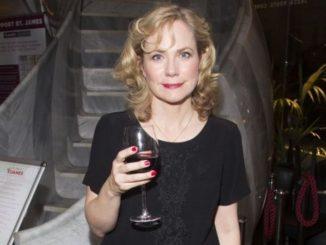 Abigail Cruttenden is married to her lover Jonathan Fraser