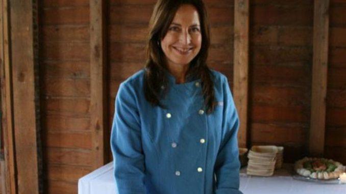 Debra Ponzek has an accumulated net worth of $1 million.