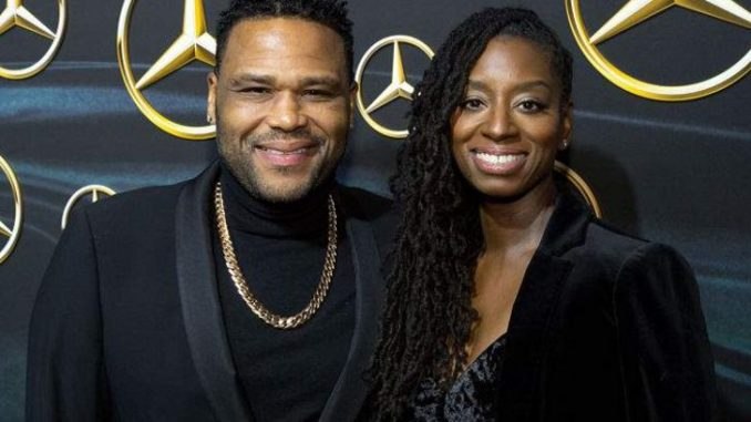 Alvina Stewart is in a married relationship with her husband Anthony Anderson since 1999.
