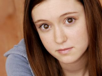 Hayley McFarland holds an impressive Net Worth.
