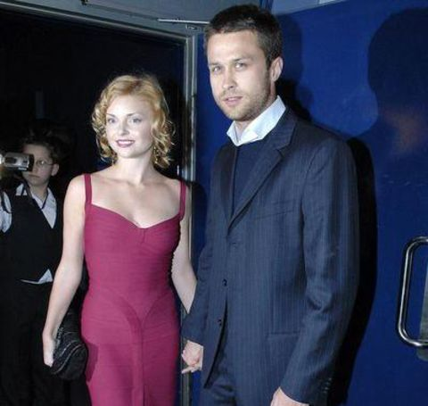 Izabella Miko was dating the actor Izabella Miko and Maciej Zakoscielny in the past