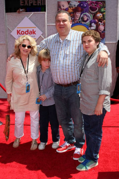 Jeffrey Garlin with his former wife and children