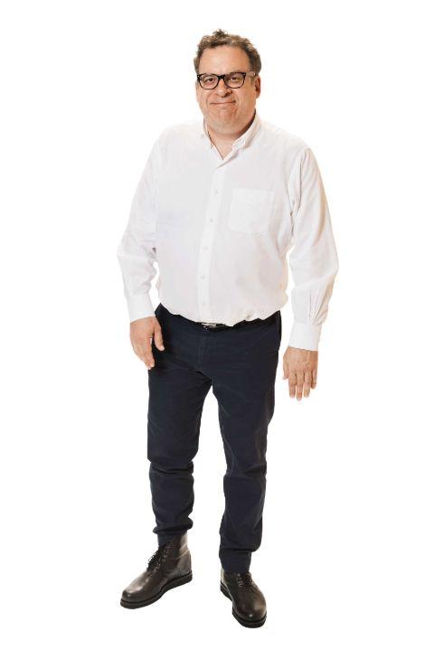 Jeffrey Garlin looks bulky