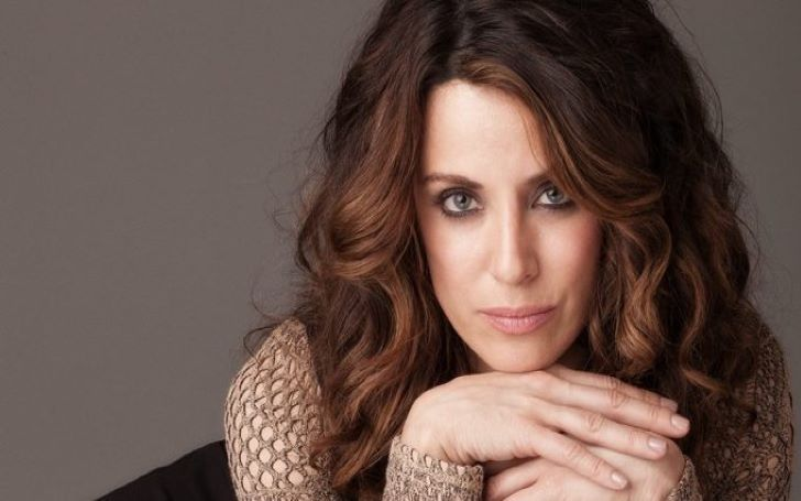 Alanna Ubach Bio, Wiki, Age, Height, Net Worth, Career, Parents, Family